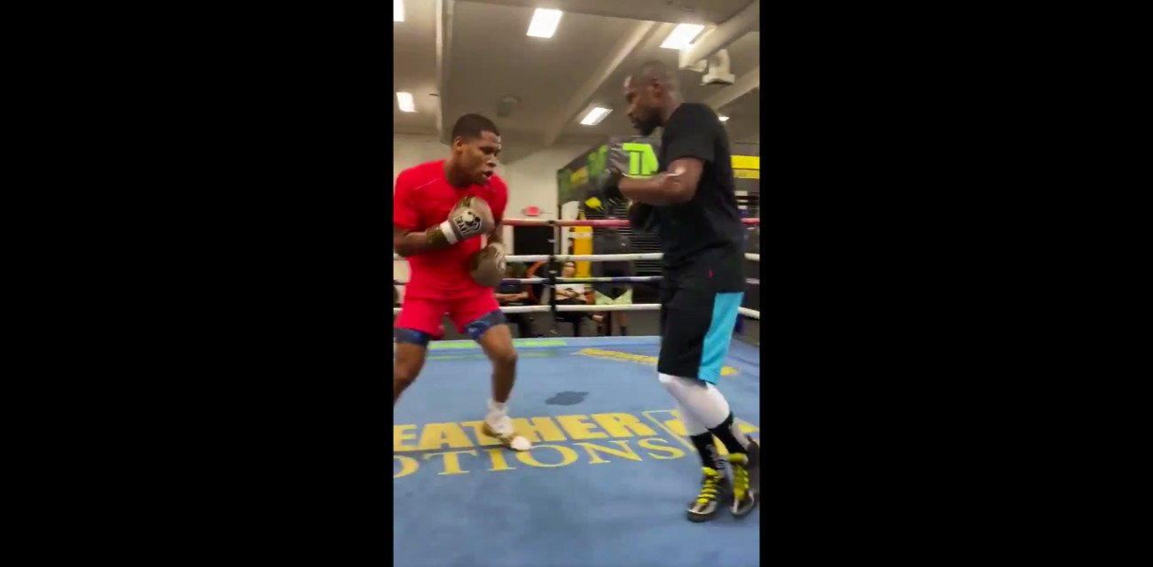 Devin Haney Floyd Mayweather Jr