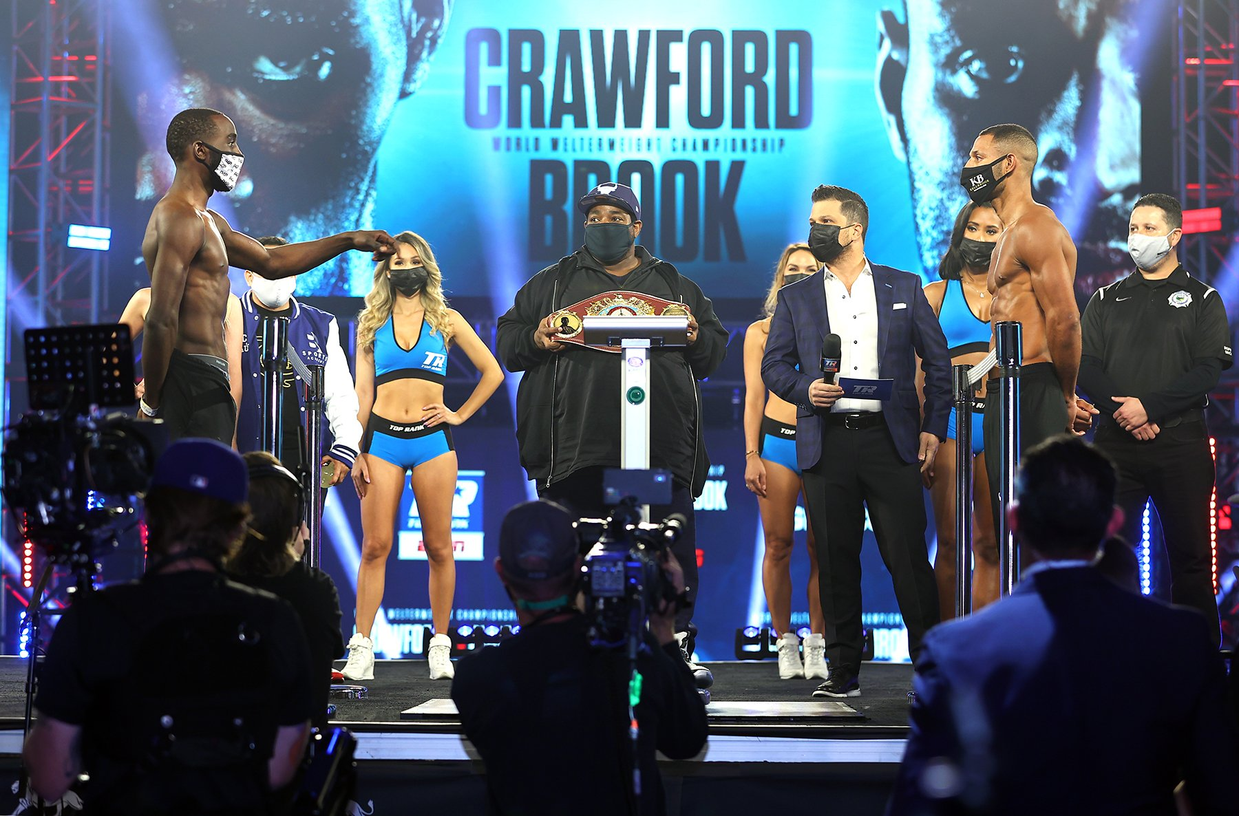 Terence Crawford 146.4 vs. Kell Brook 147 – weigh-in results