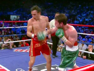 julio cesar chavez jr john duddy  photo