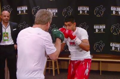 Amir Khan Floyd Mayweather Jr Oscar De La Hoya Khan vs. Peterson Khan-Peterson